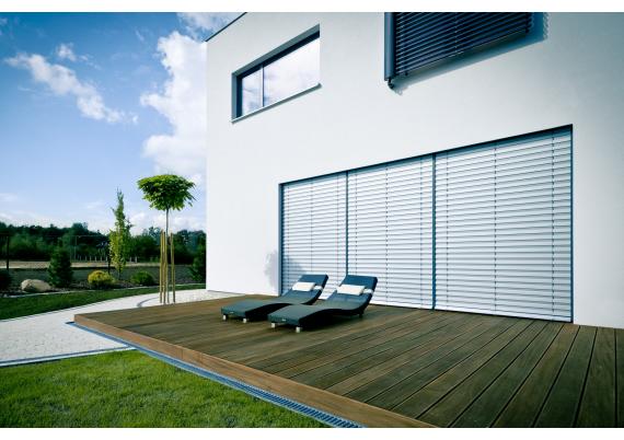 Facade horizontal blinds